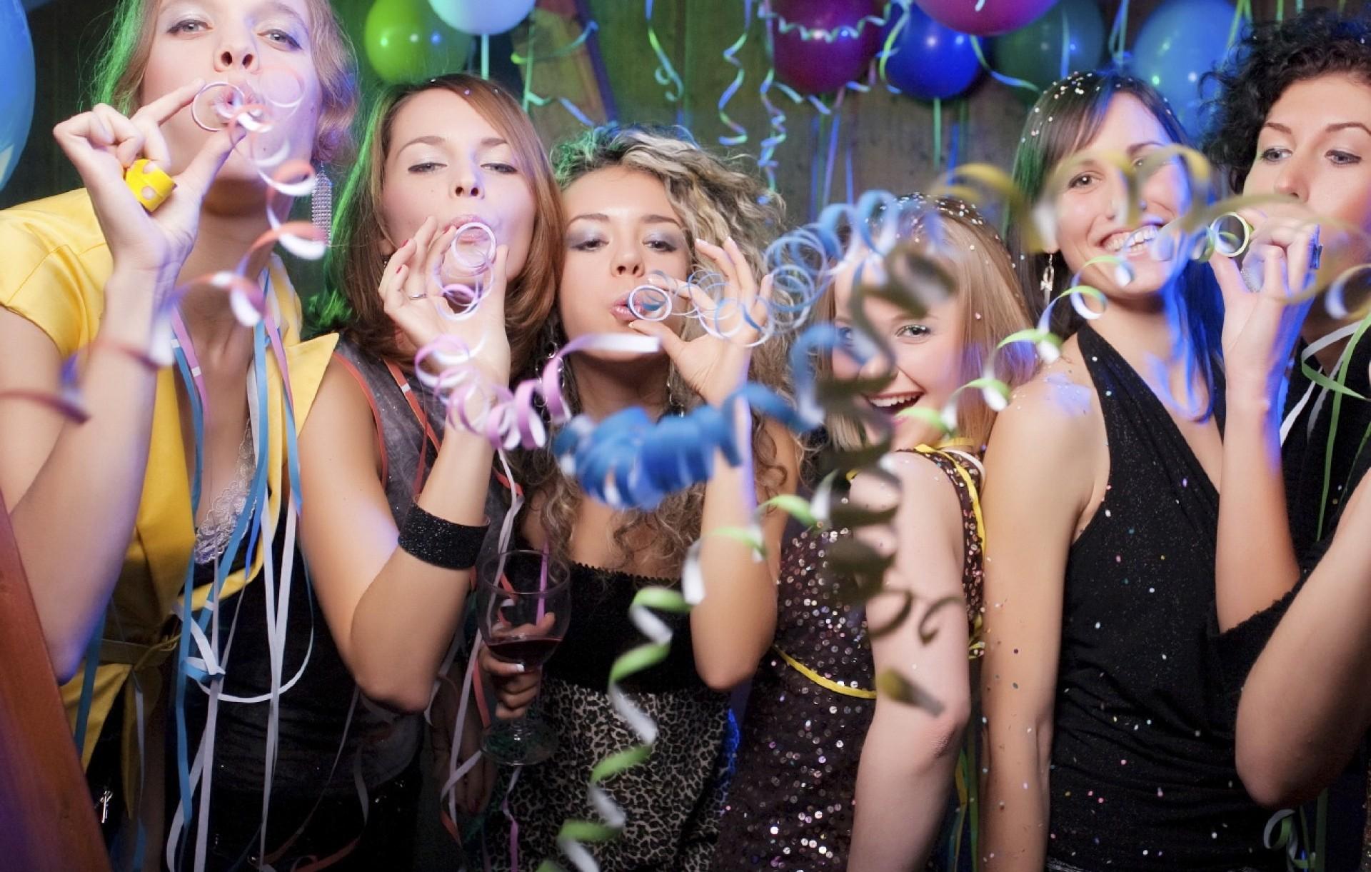 Пьяные вечеринки студентов 18 фотография